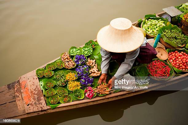 floating market, bangkok, thailand. - thailand stock pictures, royalty-free photos & images