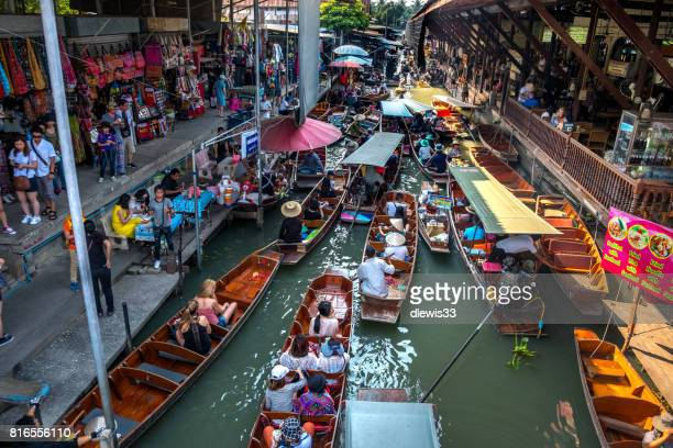 floating market, bangkok, thailand - floating market stock pictures, royalty-free photos & images