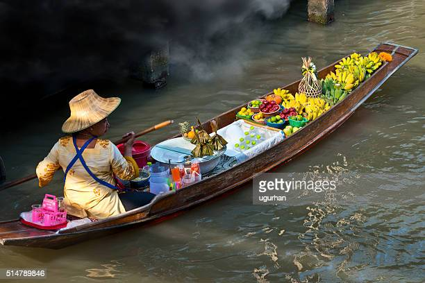 floating market, bankok - floating market stock pictures, royalty-free photos & images