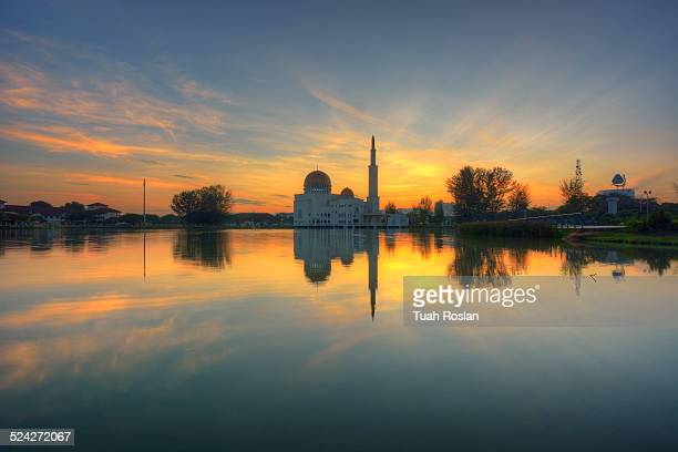 floating mosque during golden hour - floating mosque stock pictures, royalty-free photos & images