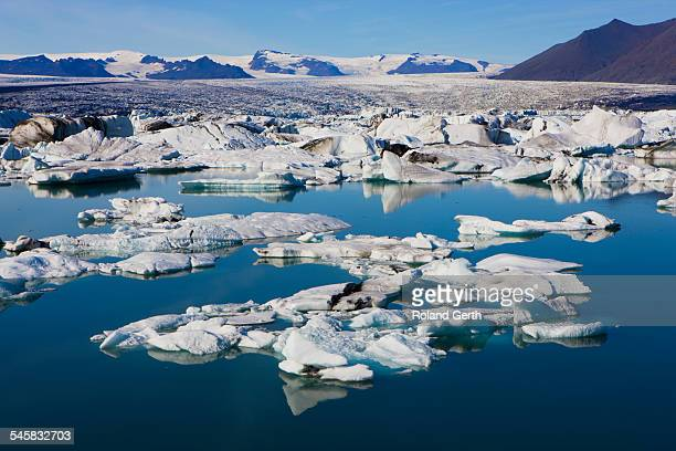 floating pack ice near jokusarlon - austurland stock pictures, royalty-free photos & images