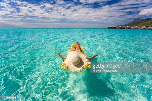floating - tahiti stock pictures, royalty-free photos & images