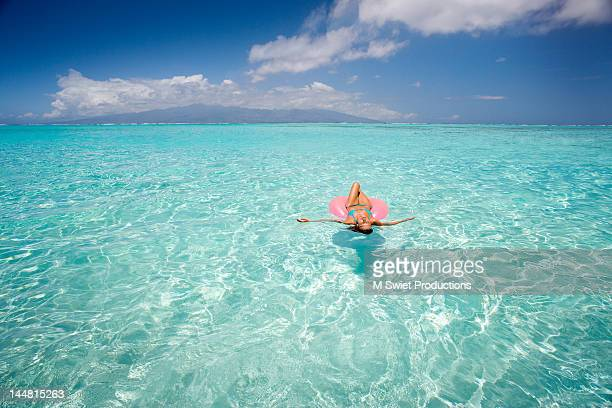 Floating sunbathing