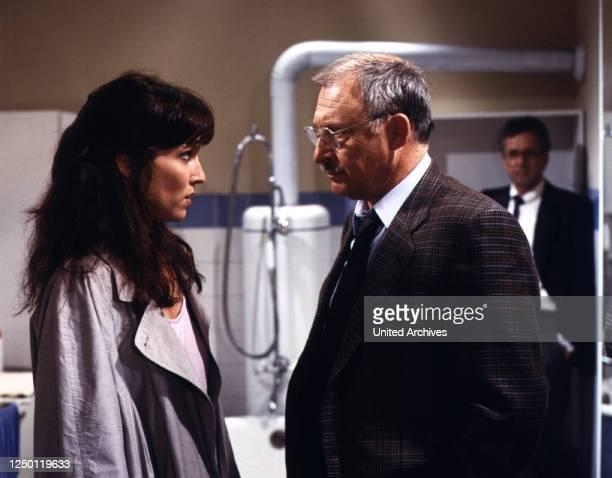 Floßfahrt ins Jenseits, D 1986, Regie: Dietrich Haugk, EVA KRYLL, ROLF SCHIMPF, MICHAEL ANDE.