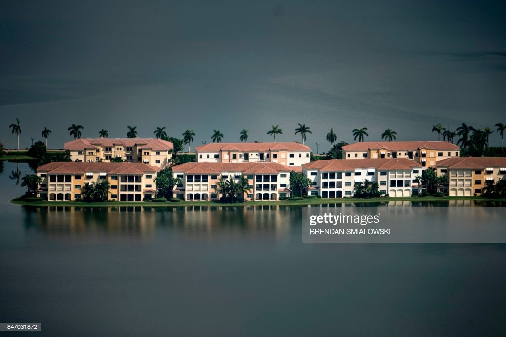 Flood damage from Hurricane Irma is seen September 14, 2017 in Naples, Florida. / AFP PHOTO / Brendan Smialowski