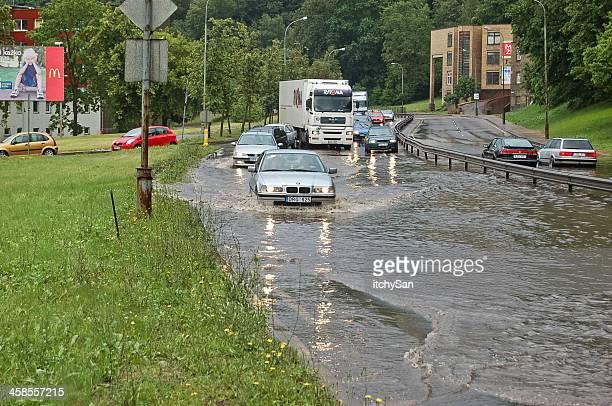 inondation de la ville - lituanie photos et images de collection