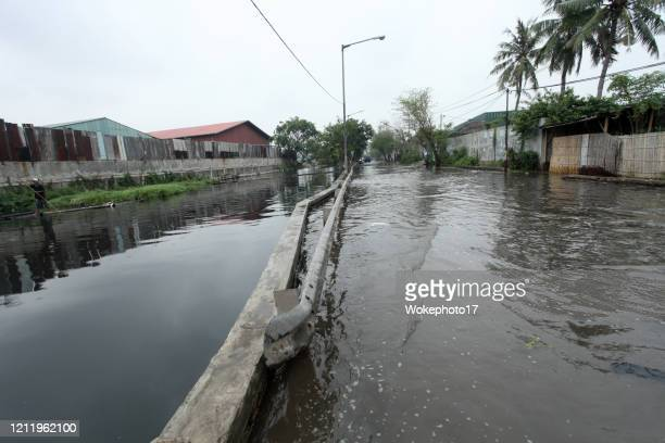 flood on street - world water day stock pictures, royalty-free photos & images