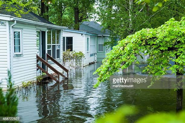 Lichtdurchfluteter Garten der Wohnung Häuser.