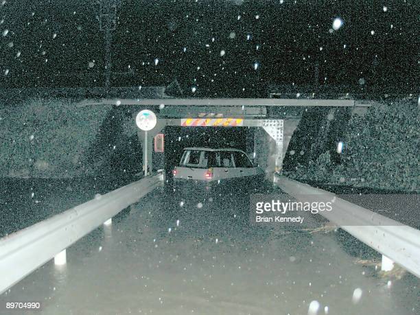 flooded car surrounded by water - 集中豪雨 ストックフォトと画像