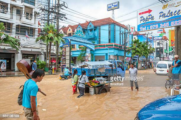 flooded street - waist deep in water stock pictures, royalty-free photos & images