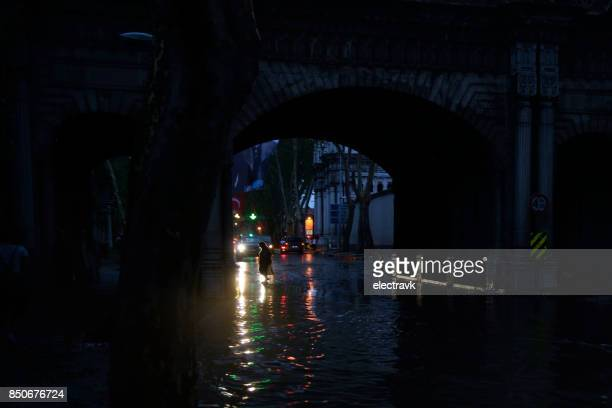 flooded streets at dusk - hail damage car stock pictures, royalty-free photos & images