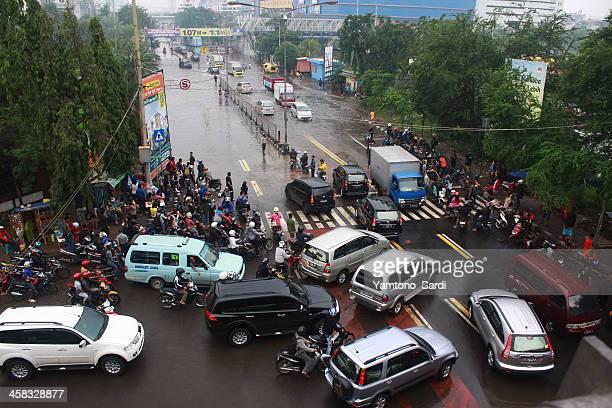 flooding causes traffic jam