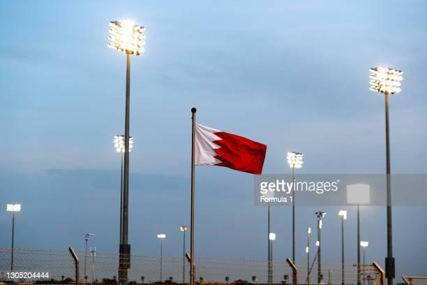 Floodlights and a Bahraini flag during the Bahrain GP at Bahrain International Circuit on April 06, 2018 in Bahrain International Circuit, Bahrain.