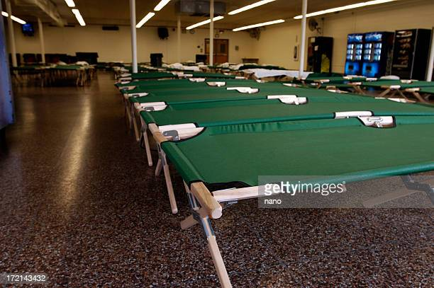 flood-nj shelter cots - evacuation stock pictures, royalty-free photos & images