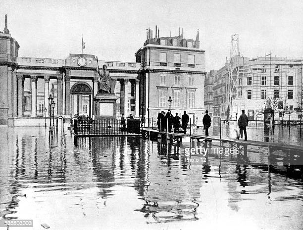 Floods in Paris footbridge in front of the main courtyard of the Palais Bourbon January 1910
