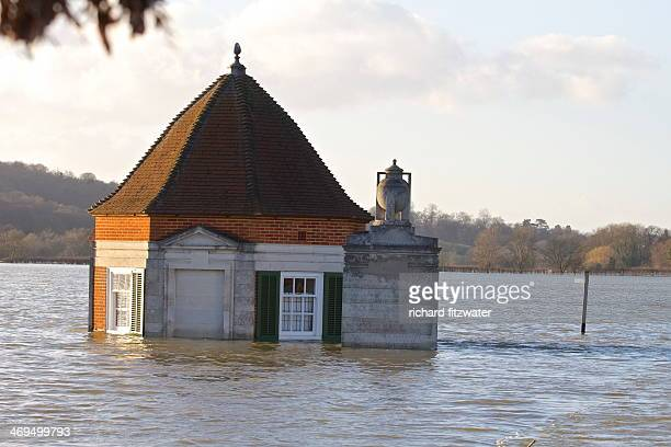 CONTENT] Floods in Surrey and Berkshire Feb 2014