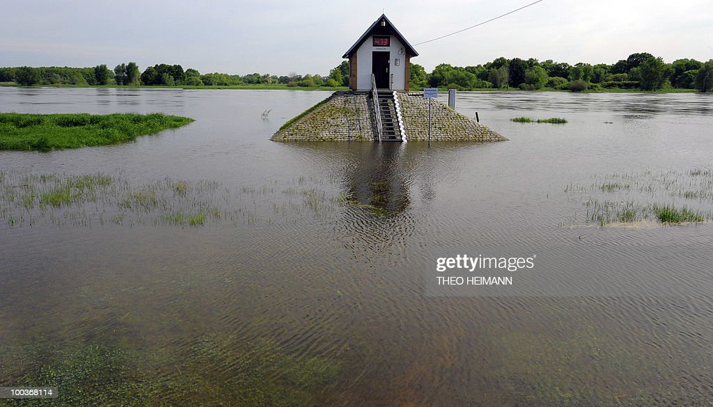 Floods surround a water-level control point standing on the plains of the Oder river in Ratzdorf near the Polish-German border on May 24, 2010. Public authorities expect the highest level of the flood wave to come to Germany on Wednesday or Thursday. Floods sweeping across Poland have killed 10 people in the past week, and caused damage estimated at more than 2.4 billion euros (3.2 billion dollars).