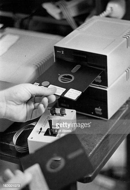 FREB 27 1982 MAR 7 1982 'Floppy disk' is key informationstorage component
