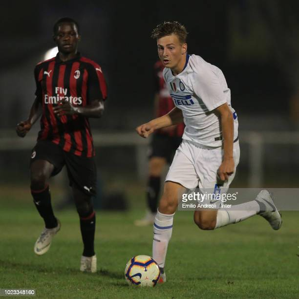 Flor Van Den Eynden of FC Internazionale in action during the Trofeo Mamma Cairo match between FC Internazionale U19 and AC Milan U19 on August 25...