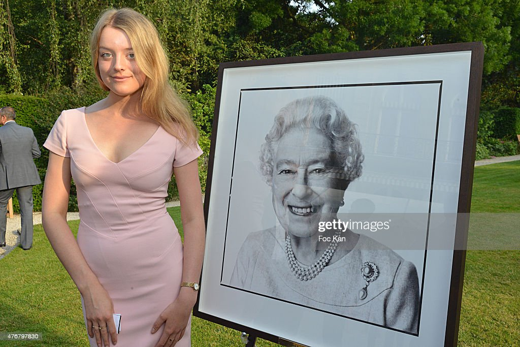 British 'Summer Time 2015' :Cocktail At the British Embassy  And Shops Events Rue du Faubourg Saint Honore In Paris : News Photo