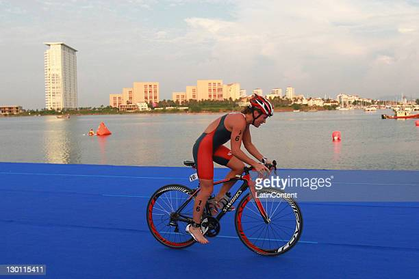 Flora Duffy, of Bermudas, in action during the women's triathlon competition as part of the Pan American Games Guadalajara 2011 at Terminal Maritima...