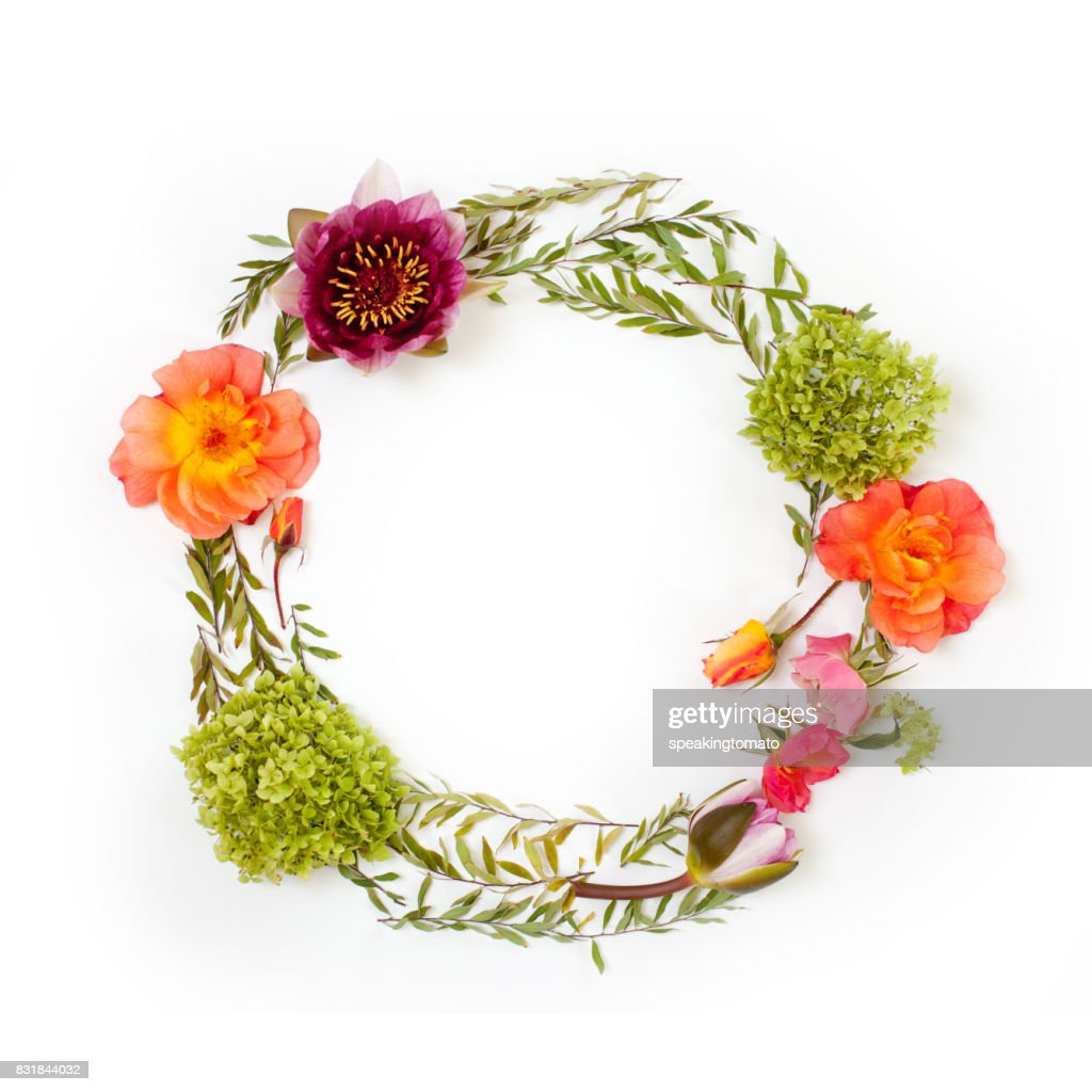 Floral round crown with flowers and leaves flat lay top view floral round crown wreath with flowers and leaves flat lay top view izmirmasajfo