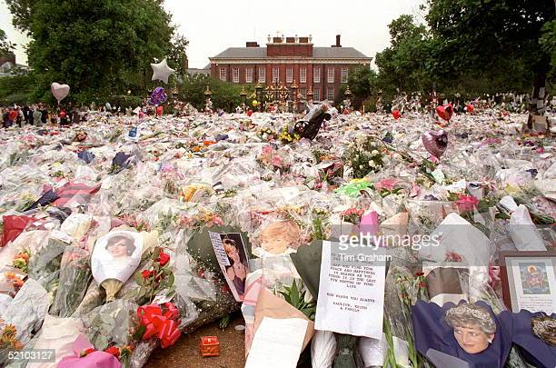 Floral Tributes To Diana Princess Of Wales At Her Home At Kensington Palace London