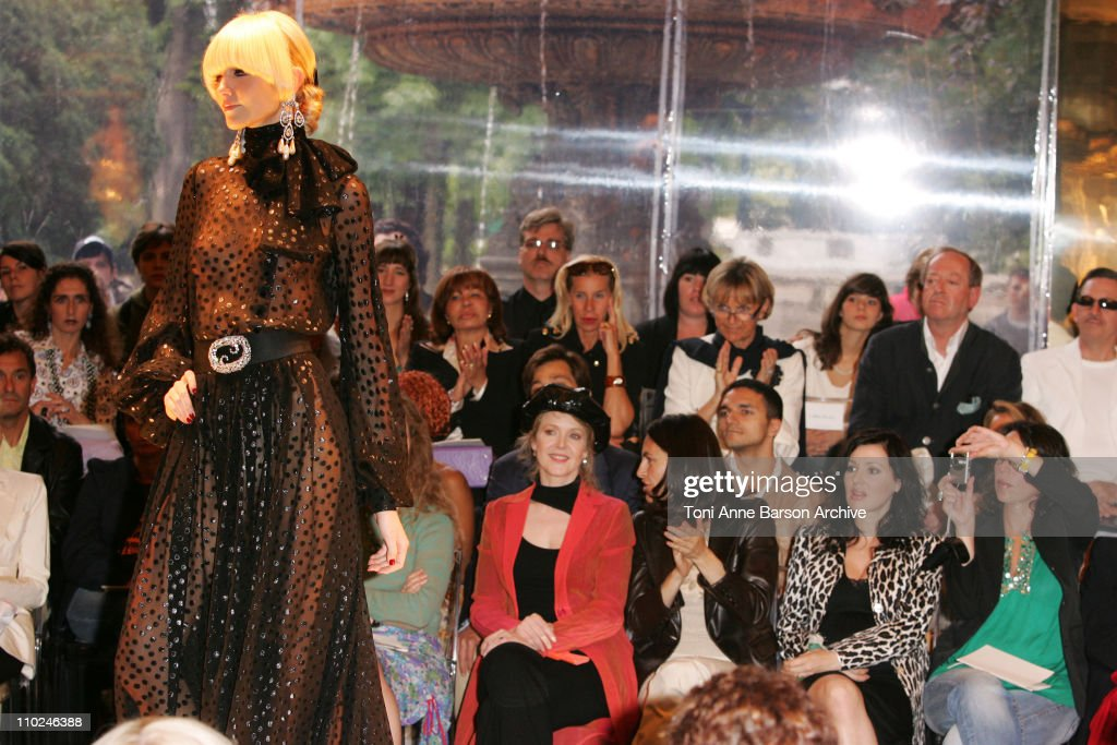 Paris Haute Couture Fashion Week - Fall/Winter 2005 - Jean-Louis Scherrer -