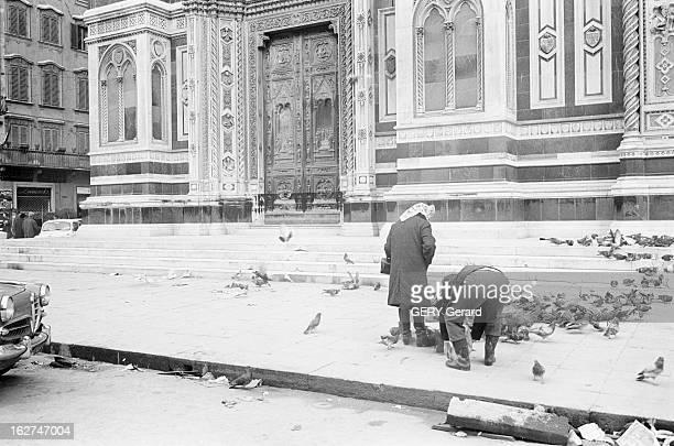 Florence Flooding Italie Florence 7 novembre 1966 La ville est inondée suite à la crue du fleuve Arno qui la traverse causant la mort de 34 personnes...