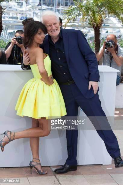 Florence Foresti et André Dussolier lors du photocall du film 'Le Petit Prince' pendant le 68eme Festival du Film Annuel au Palais des Festivals le...