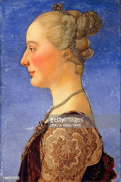 Florence Galleria Degli Uffizi Portrait of a Young Woman Antonio Benci known as Pollaiuolo or by Piero Pollaiuolo tempera on wood 55x34 cm