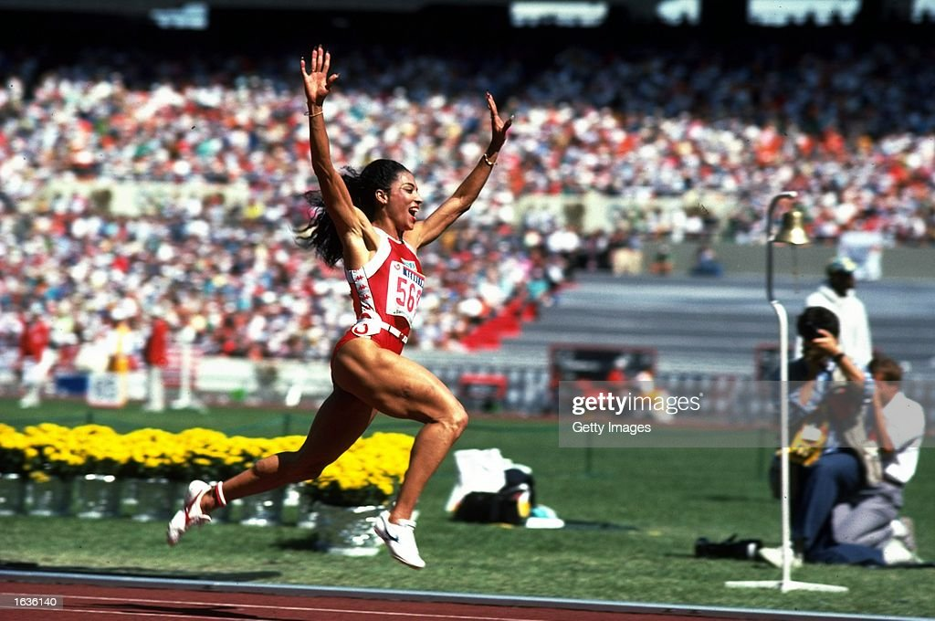Florence Griffith Joyner of the USA : News Photo