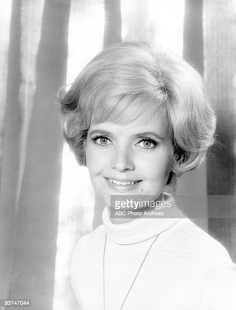 BUNCH Florence Henderson gallery Season One 9/26/69 Carol a widow with three daughters wed a widower with three sons