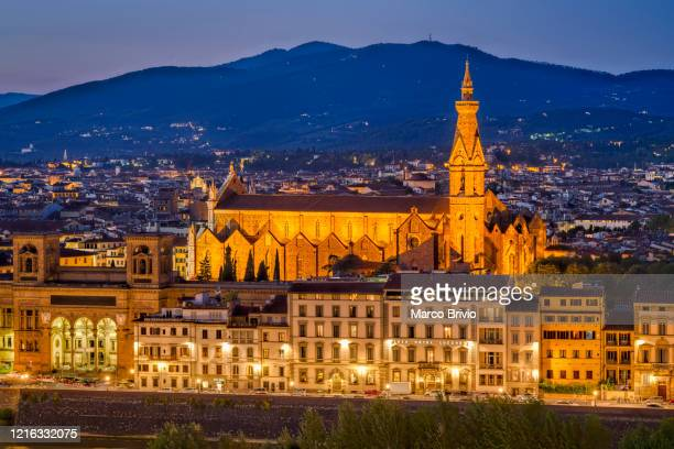 florence italy. high angle view of the city at dusk. basilica of santa croce - marco brivio stock pictures, royalty-free photos & images