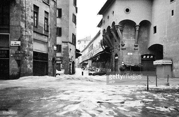 Picture of the Ponte Vecchio in Florence during the flood 04 November 1966 The floodwaters from the Arno River swept through the city and killed 87...