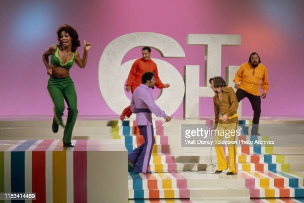 Florence La Rue Lamonte McLemore Billy Davis Jr Bobby Sherman Ronald Townson The 5th Dimension performing on the ABC tv special 'The Bobby Sherman...