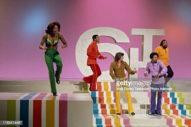 Florence La Rue Lamonte McLemore Bobby Sherman Billy Davis Jr Ronald Townson The 5th Dimension performing on the ABC tv special 'The Bobby Sherman...
