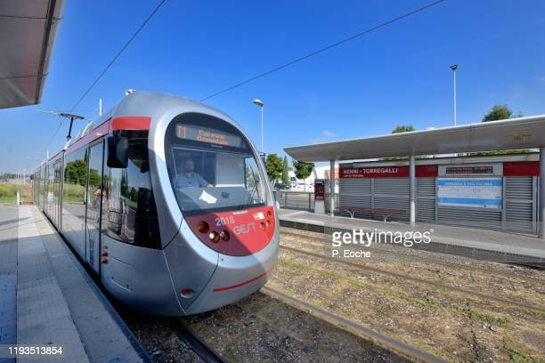 florence, the tramway of florence, the first section was inaugurated in february 2010 - 2010 2019 stock pictures, royalty-free photos & images