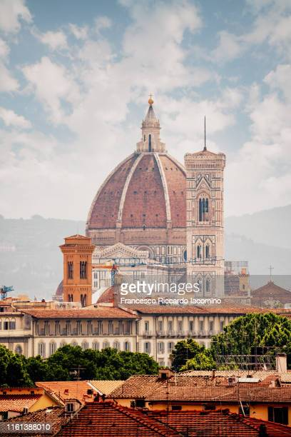 florence, tuscany, italy. santa maria del fiore duomo cathedral from a unique point of view - florence italy ストックフォトと画像