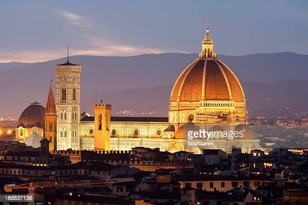 フィレンツェの夕暮れの大聖堂