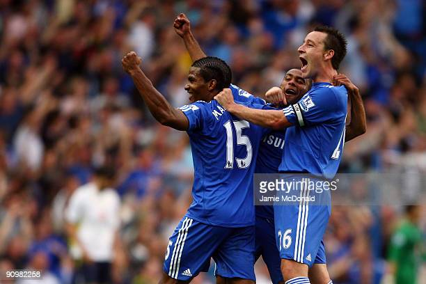 Florent Malouda of Chelsea Ashley Cole of Chelsea and Frank Lampard of Chelsea celebrates after Chelsea scored during the Barclays Premier League...