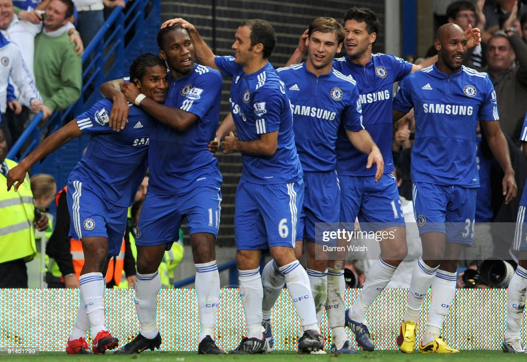 Florent Malouda of Chelsea (L) celebrates after scoring the second goal with teammates Didier Drogba, Ricardo Carvalho, Branislav Ivanovic, Michael Ballack and Nicolas Anelka during the Barclays Premier League match between Chelsea and Liverpool at Stamford Bridge on October 4, 2009 in London, England.