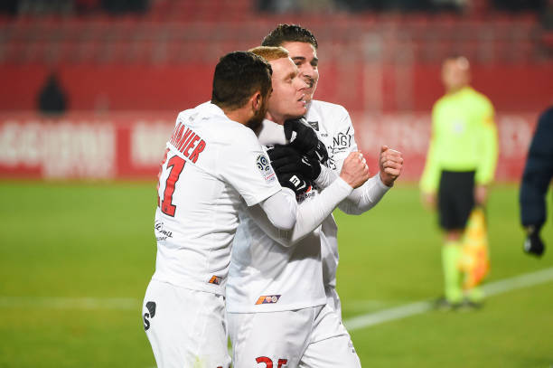 MHSC -EQUIPE DE MONTPELLIER -LIGUE1- 2019-2020 - Page 3 Florent-mollet-of-montpellier-celebrates-his-goal-with-teammates-the-picture-id1186494698?k=6&m=1186494698&s=612x612&w=0&h=Xb6QE9JZMWTmnV5ZgB21PF8ZNrV3boZKnqwiPLSnIac=