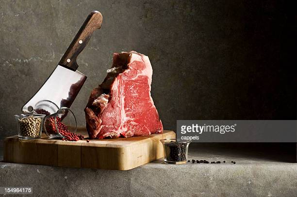 florentiner t-bone-steak.color bild - roh stock-fotos und bilder