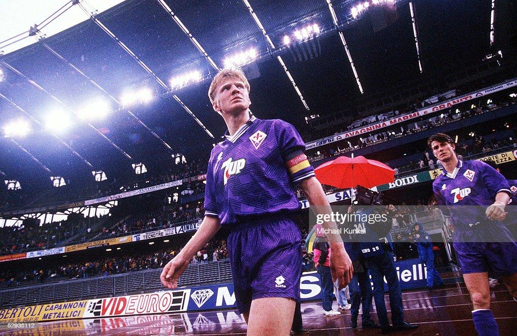 FUSSBALL: ITALIENISCHE LIGA/SERIE A 92/93, Stefan EFFENBERG/AC FLORENZ : ニュース写真