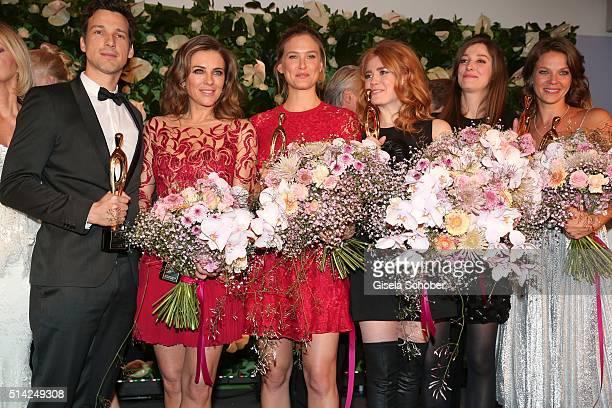 Florian David Fitz Elizabeth Hurley Bar Refaeli Palina Rojinski Alexandra Maria Lara Jessica Schwarz with award during the PEOPLE Style Awards at...