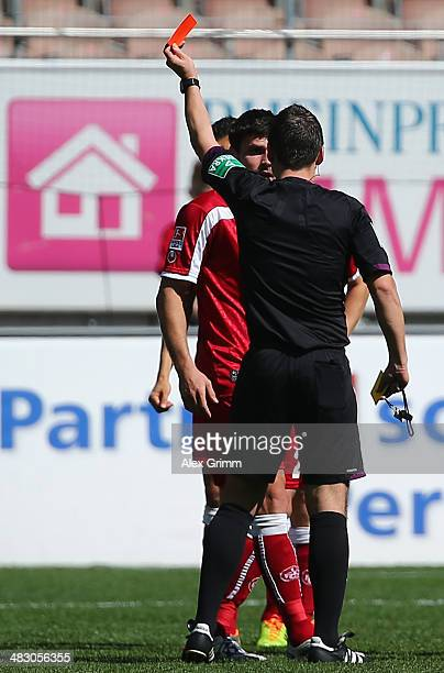 Florian Dick of Kaiserslautern is sent off by referee Christian Dietz during the Second Bundesliga match between 1 FC Kaiserslautern and VfL Bochum...