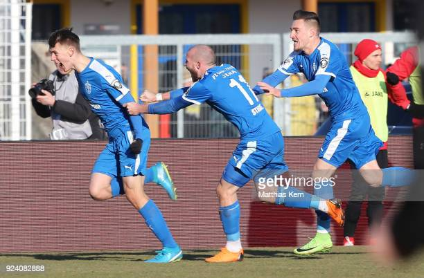 Florian Dietz of Jena jubilates with team mates after scoring the first goal during the 3 Liga match between FC Carl Zeiss Jena and FC RotWeiss...