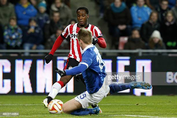 Florian Jozefzoon of PSV Aleksei Kozlov of Dinamo Moscow during the UEFA Europa League group match between PSV Eindhoven and Dinamo Moscow on...