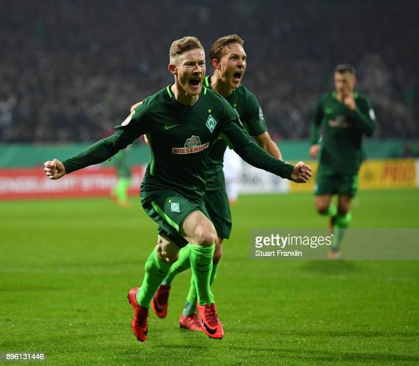 Florian Kainz of Bremen elebrates scoring his goal during the DFB Cup match between Werder Bremen and SC Freiburg at Weserstadion on December 20 2017...